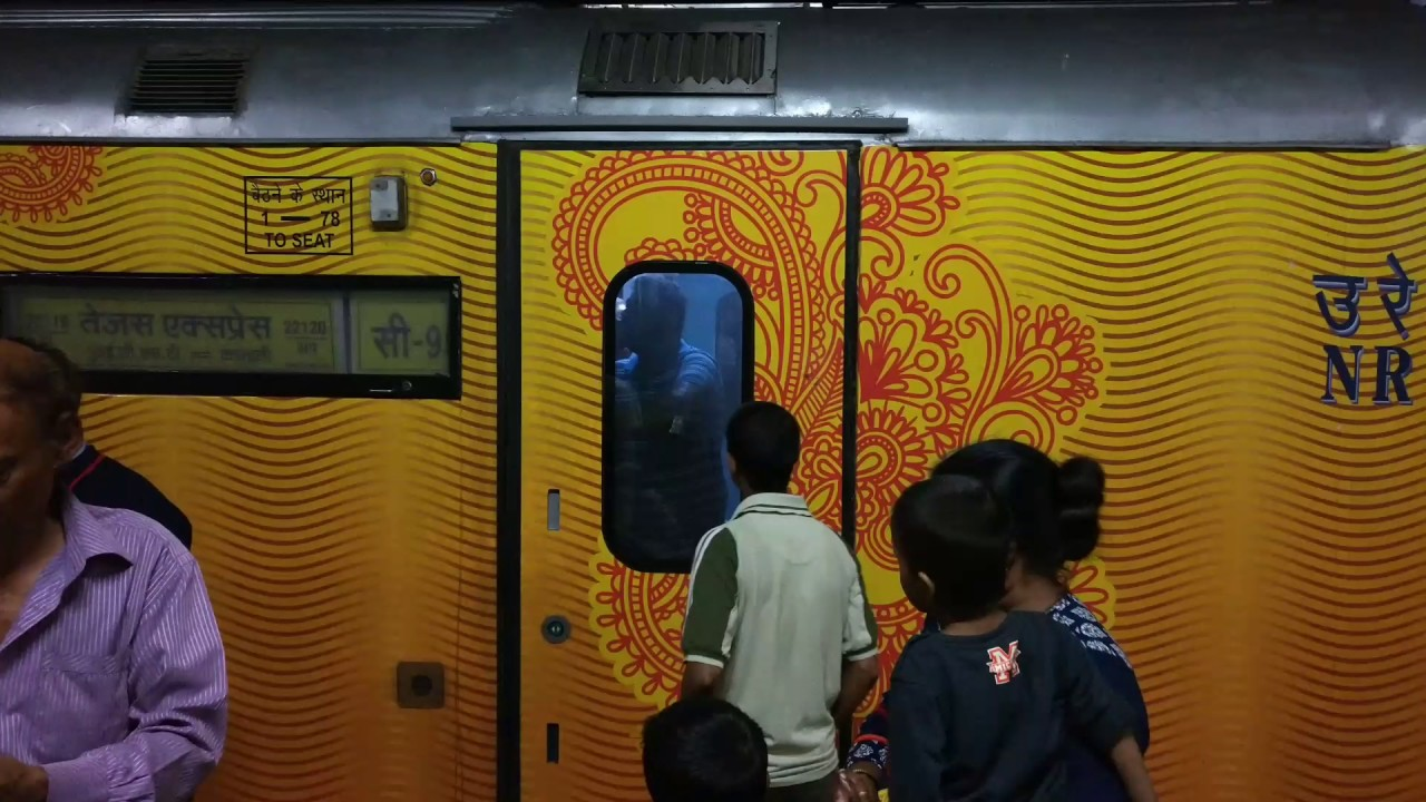 Automatic Doors  Passerby gets trapped inside Tejas Express ??| Indian Railways : express doors - pezcame.com