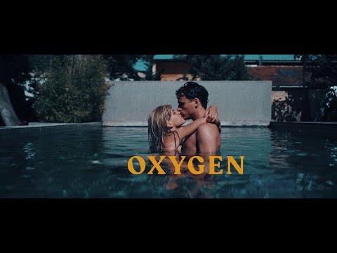 Смотреть клип Winona Oak & Robin Schulz - Oxygen