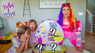 GIANT Polly Pocket Compact unboxing with Princess Lollipop and Twins Kate & Lilly