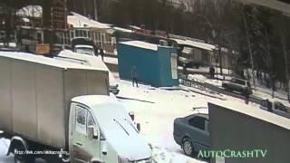 Смотреть видео Подборка ЖЕСТКИХ ДТП на видеорегистратор ноябрь 2015 !!! Auto Crash TV № 152 !! онлайн