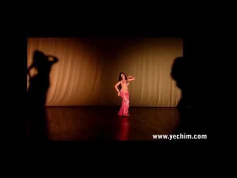 Yechim danseuse orientale - Baladi -  Paris, France - juin 2010