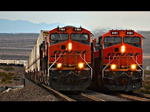 HD: HIGH SPEED BNSF FREIGHT TRAINS ACROSS THE DESERT!