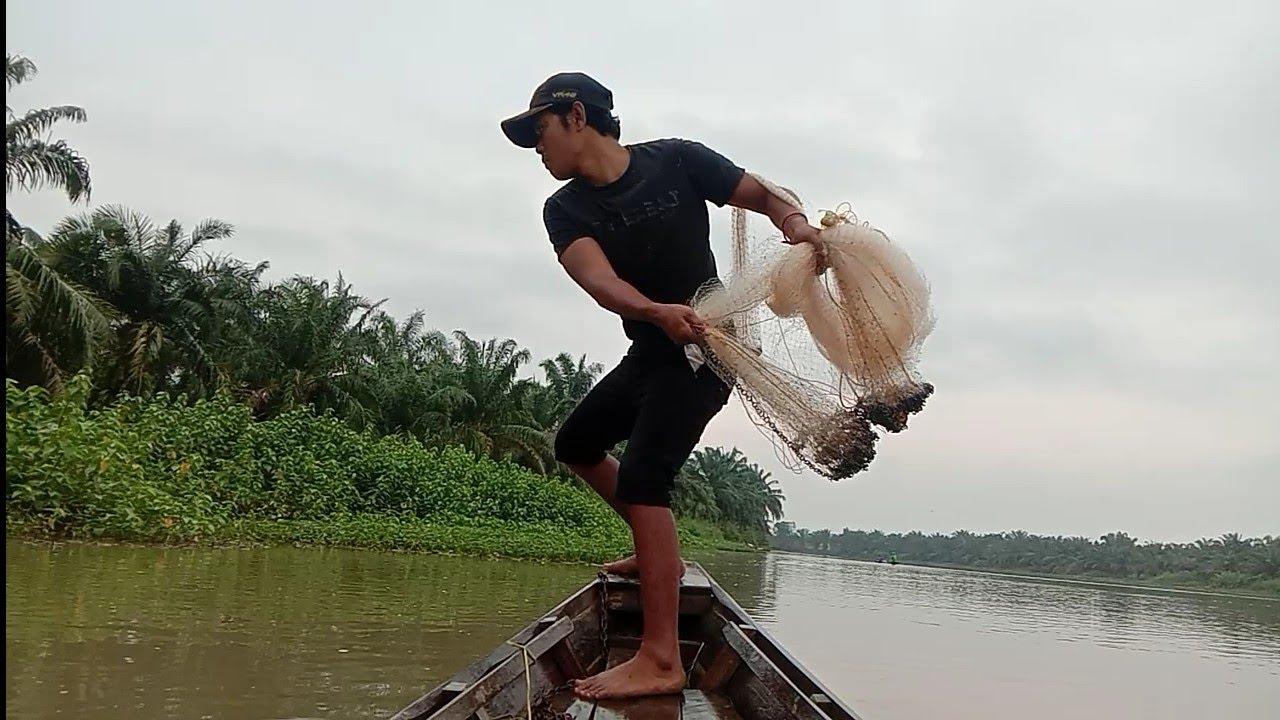 Download jala ikan pakai perahu,dapat udang galah...!!!