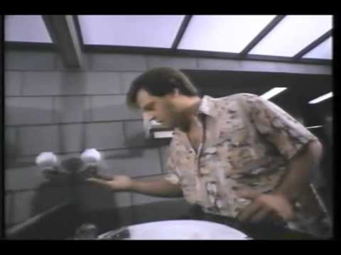 Wired (1989) john belushi coked the fuck out. - YouTube
