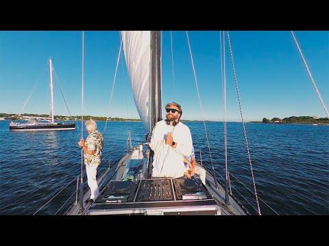 Смотреть клип Clmd - Sailboat