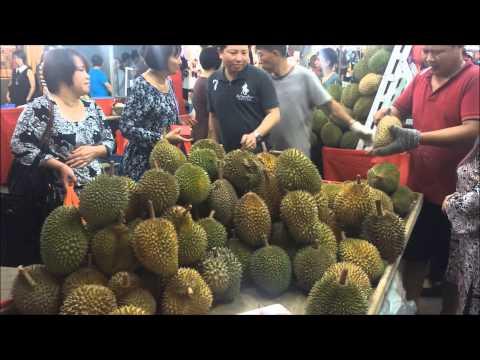 Durian Durian Pasar Malam di Singapura