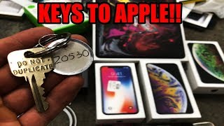 FOUND KEYS TO THE APPLE STORE!!! Dumpster diving at apple store found the keys to apple!