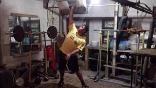 Полный подъём гантели с пола в 85 кг