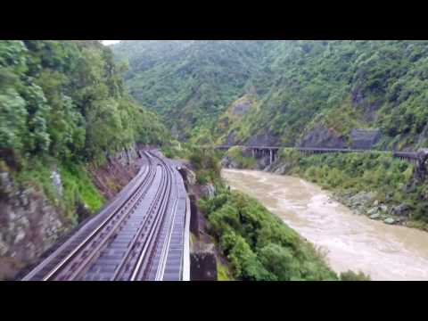 Manawatu Gorge - Driver and Passenger views of the raging river below.