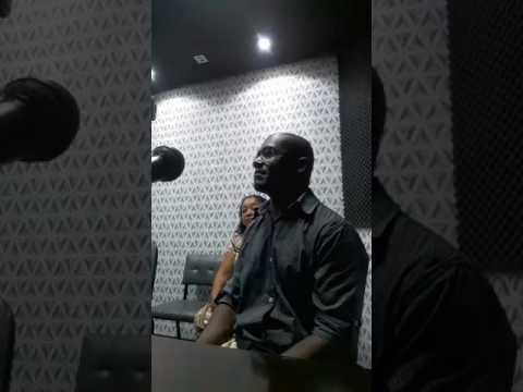 cantor Ronaldo de Castro na rádio difusora de Londrina