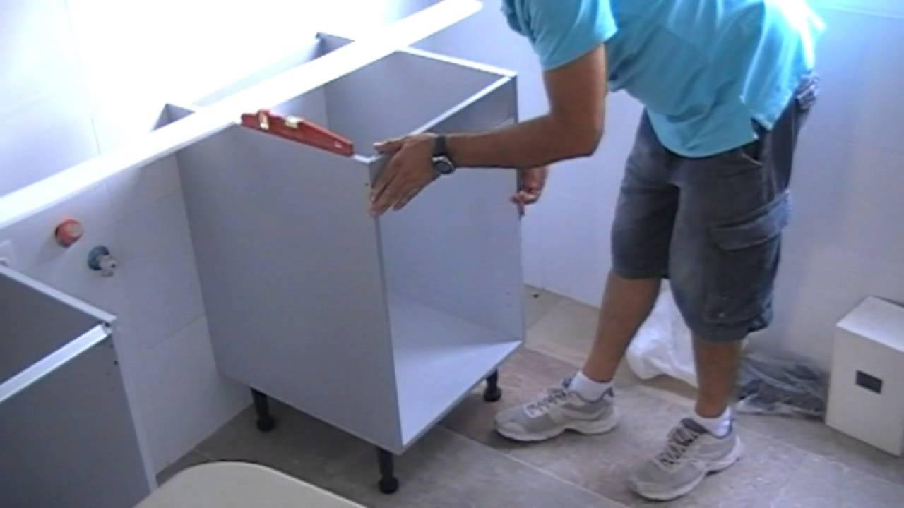 Montaje de armarios de cocina bajos