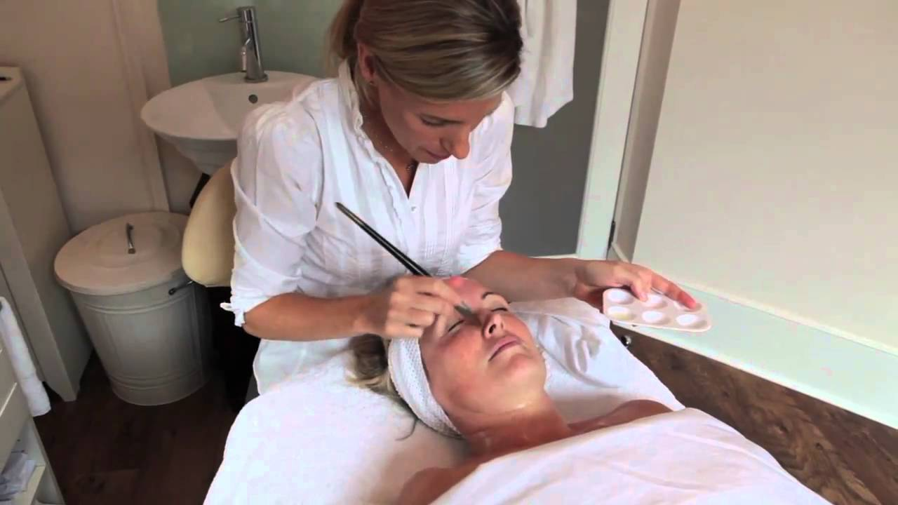 Whats In An Anti Ageing Facial Youtube