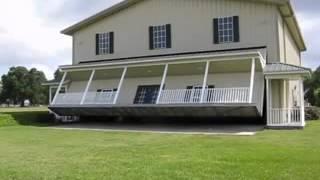 необычный гараж в доме - как сделать гараж в загородном доме