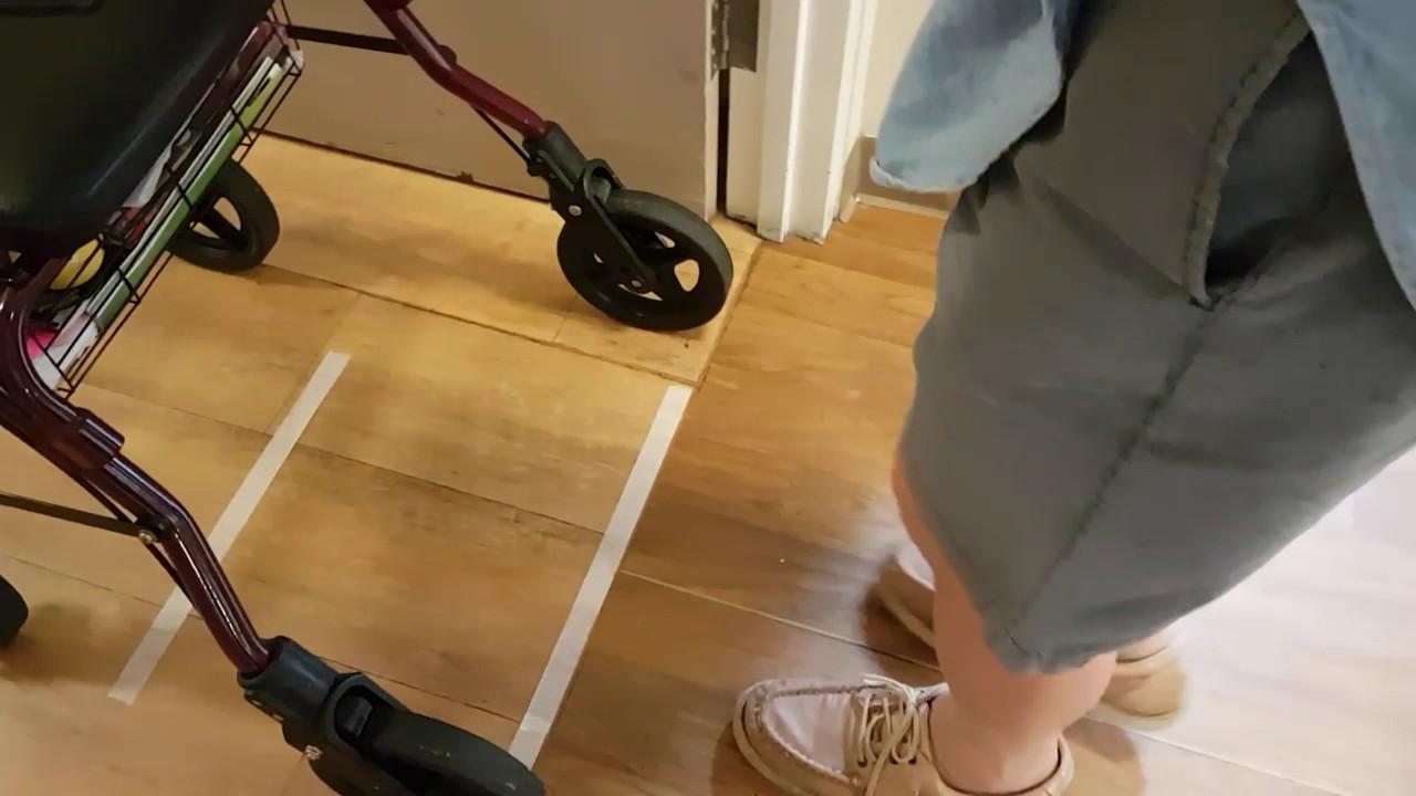 Sencillas estrategias para mejorar el andar del paciente en casa.