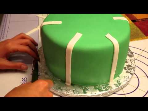 Decorating a Football Theme Fondant Cake