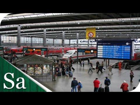 München Hauptbahnhof - Inside Munich's main railway station- Panorama