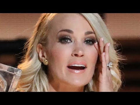 Carrie Underwood Spotted For The First Time Since Facial Inj