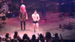 Darren Criss Hedwig Final Curtain Call 7/19/15