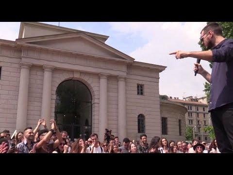 Casting X-Factor, migliaia di ragazzi all'Arco della Pace a Milano