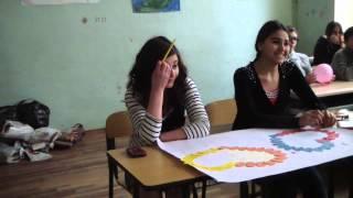 Ученик 81 школы г. Тбилиси признался в любви в день всех влюбленных