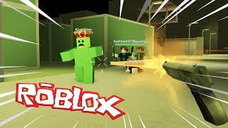 WILL YOU SURVIVE THE ZOMBIE APOCALIPSIS IN ROBLOX? 😱 BEBE MILO and VITA