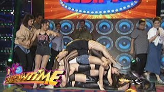 It's Showtime Cash-Ya: Stacking on a sleeping mat