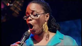 Watch Dianne Reeves Sing My Heart video