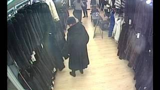 Кража шубы в магазине Ангелина сем(Женщина под видом покупательницы ворует норковую шубу., 2017-02-04T08:10:59.000Z)