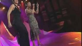 "Chenoa & Nuria Fergó ""Fallen"""