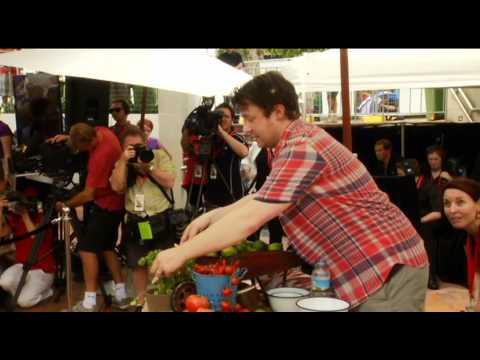 Jamie Oliver visits Ministry of Food Australia