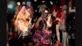 Fuzzbox -  Wait and See