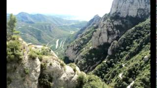 Монсерат монастырь в Испании. Montserrat monastery in Spain. El monasterio de montserrat(Монсерат монастырь в Испании. Чёрная мадонна. Музыку к этому видео можно скачать по адресу: http://www.realmusic.ru/sergey..., 2014-02-15T09:59:03.000Z)