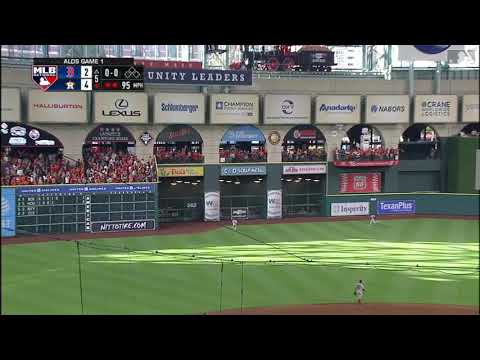 Jose Altuve hits his 2nd homerun off of Chris Sale! ALDS GAME 1