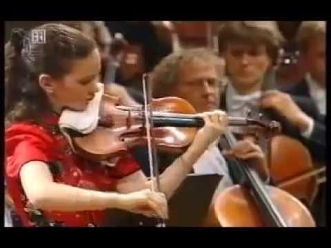 Hahn Sibelius Violin Concerto - YouTube