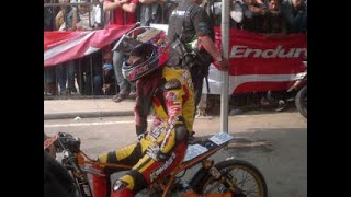 Drag bike Sabrina vs asep robot metic 200cc