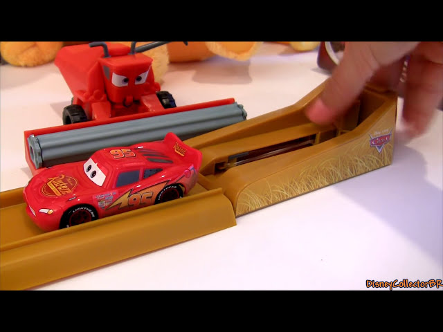 Tractor Tipping Track Set Playset Tractors Tippin Frank in Radiator Springs Disney Pixar Cars Travel Video
