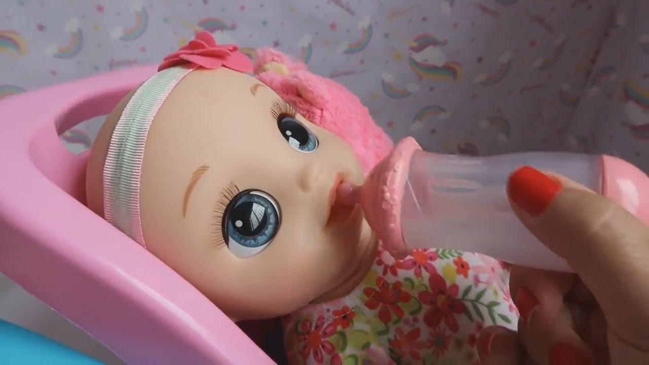 É O PRIMEIRO DIA DA CRECHE DA BABY ALIVE BUBU COM BABY ALIVE AMANDINHA ESCOVANDO OS DENTES
