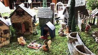 アメリカの園芸店にて。 フェアリーガーデンという ミニチュア系のコー...