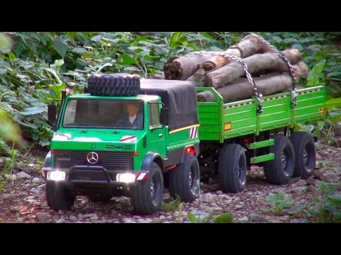 Tamiya CC-01 Unimog 425 on a Transport Mission with Trailer