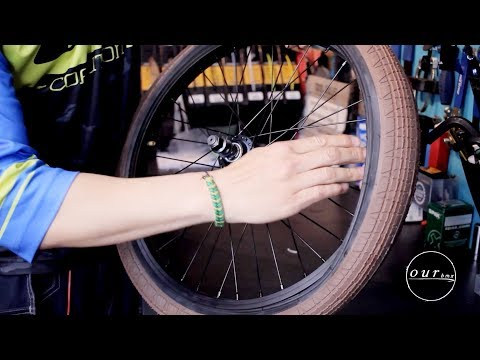 HOW TO CHANGE A FLAT TIRE (THE LEGIT WAY)