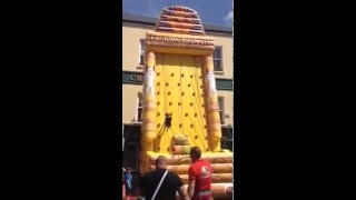 Video Airmax Inflatables Giant Inflatable Climbing Wall download MP3, 3GP, MP4, WEBM, AVI, FLV Oktober 2018