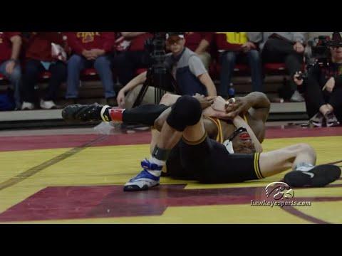 Wrestling: Iowa 35, ISU 6
