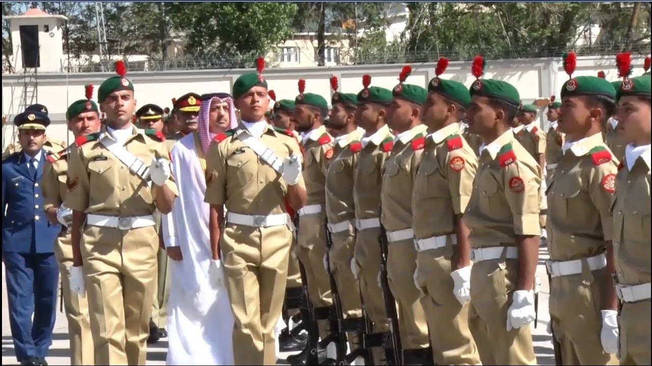 أكاديمية باكستان العسكرية ، موكب الخروج