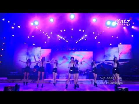 BeXXa - Lihat Aku. special show in Jakarta Fair