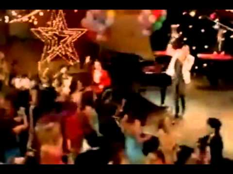 Glee - Friday (Extended Performance)