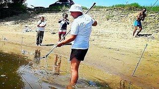 НА ЭТО ВЫВАЖИВАНИЕ СБЕЖАЛСЯ ВЕСЬ Берег С ТЕЛЕФОНАМИ Рыбалка на Ахтубе Рыбалка 2021