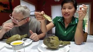 Hai vợ chồng ăn bông atiso chấm với bơ, washington state
