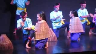 CAMBODIA:  PHNOM PENH: NATIONAL DANCE ENSEMBLE: 4: FISHERMEN DANCE