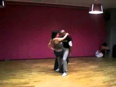 Casal Dançando - Milk Shake - Bonde do Forró