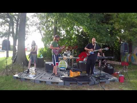 The Honey Oil Experiment Live @ Woostock Trading Company 8-28-17 -- Man Smart Woman Smarter